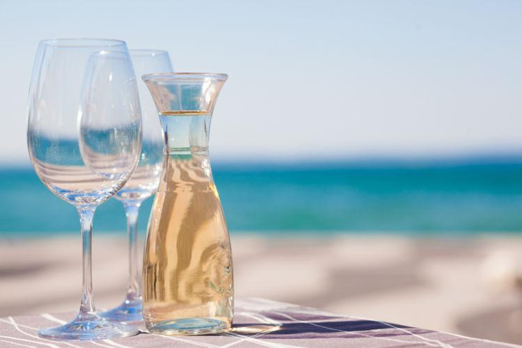 ワインはカラフェで毎日の食卓に