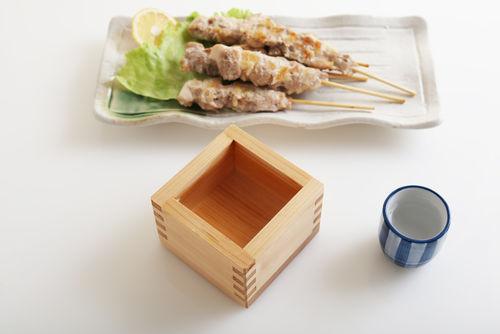 塩の焼き鳥と日本酒のマリアージュ