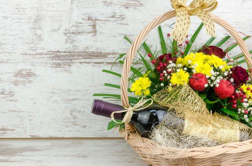ワインと花のギフト、シーン別オススメはこれ!