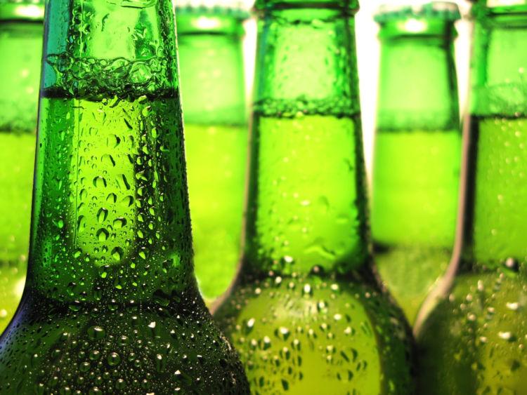 """""""緑の瓶""""のビールと言えばこのブランド!"""