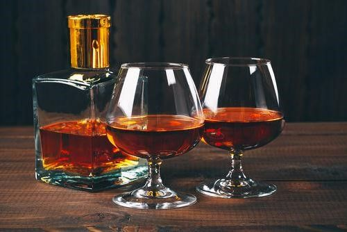 グラッパと同じ蒸溜酒のブランデーとの違いは?