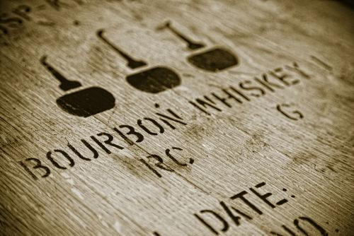 「バーボン樽」とバーボンウイスキーの関係は?