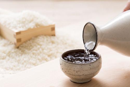 「黒牛」は自家精米を和歌山の名水で仕込んだ純米酒