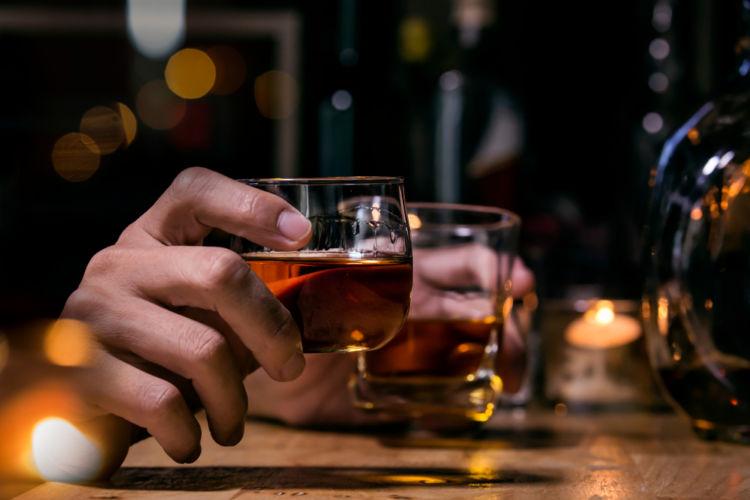 「アイリッシュウイスキー」アイルランドで作られる歴史あるウイスキー