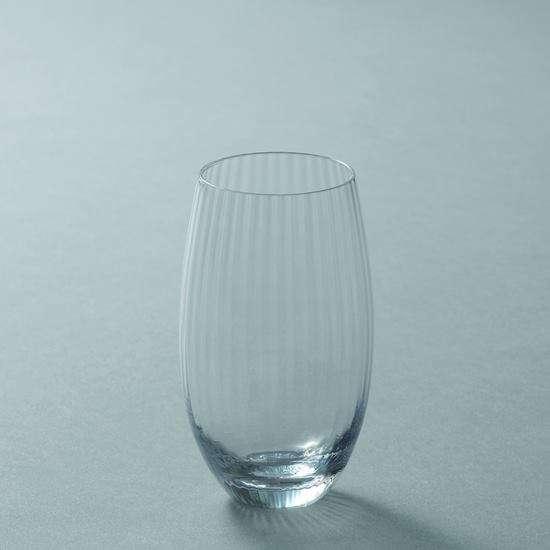 お米を磨いて味わいを引き出す、日本酒を造るように美しくシェイプされたグラス