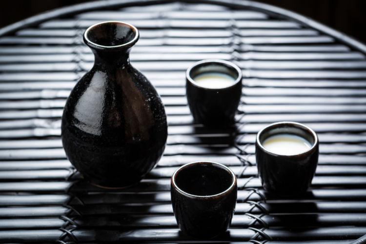 「にごり酒」はどんな日本酒? 改めて定義を知ろう【日本酒用語集】