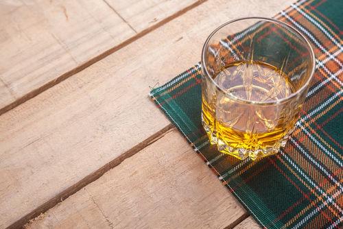 「ゴッドファーザー」にスコッチウイスキーが用いられる理由