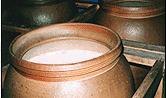 「酒一筋」の蔵元、利守酒造の次なる挑戦、備前焼の大甕仕込み