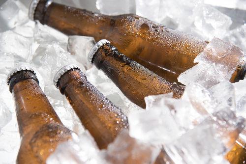ビールを冷やすグッズがなくても使える裏技