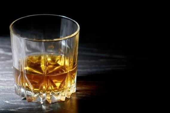 ウイスキーの飲み方の王道といえば?