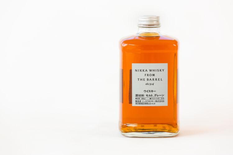 ニッカウヰスキーの「フロム・ザ・バレル」は、世界に誇る樽出しブレンデッドウイスキー