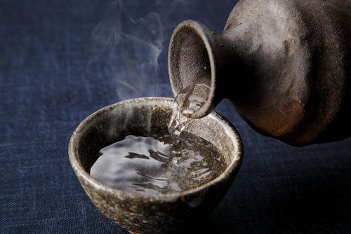 ぬる燗、上燗、熱燗…燗の温度でお酒の味わいが変化する