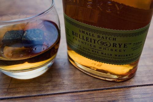 「サゼラック」の味を決めるのはライウイスキー