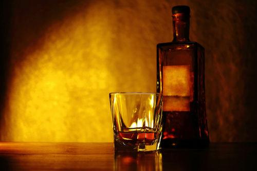 ストレートウイスキーってどんな飲み方?