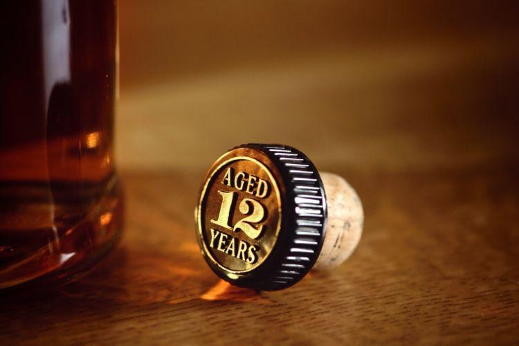 ウイスキーのコルクが折れたときはどうする? 知っておきたいコルクの役割とウイスキーの保管方法