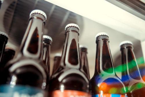 ビールによって冷蔵庫での最適な冷やし方が変わる