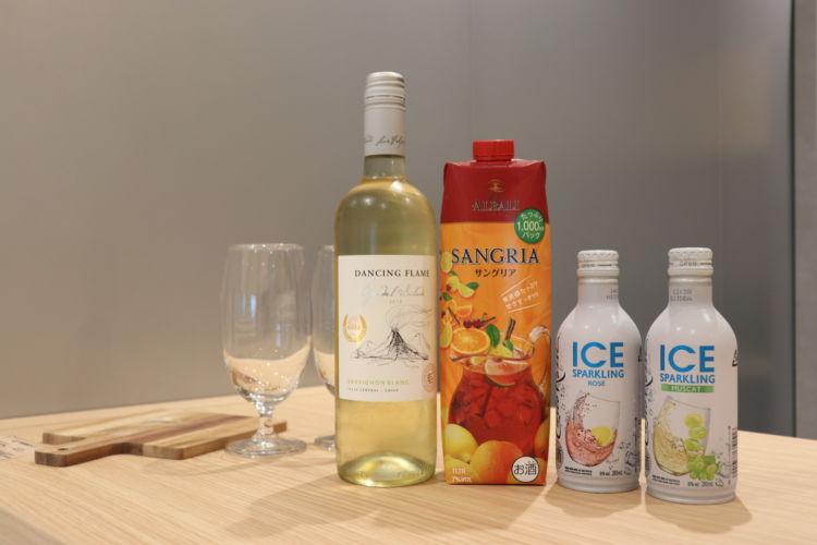 氷をたっぷり入れてワインを体験してみました!