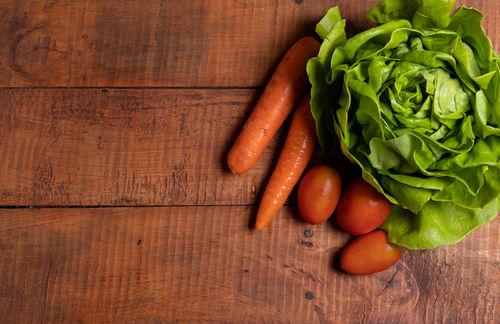 さまざまな野菜が原料に! 変わり種焼酎1