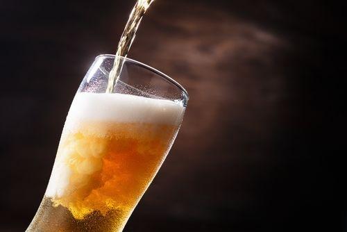 アウトドアのビールが盛り上がる便利グッズ