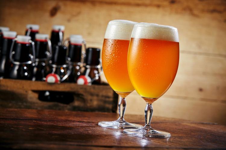 ぬるいほうがおいしいビールもある! 常温で飲むビールのたのしみ方を解説