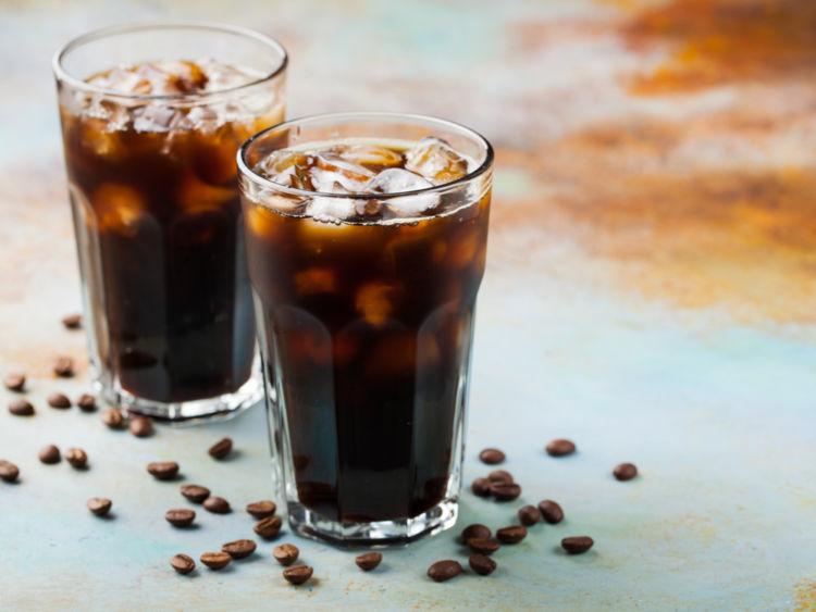 「焼酎のコーヒー割り」ってどんなもの? その特徴やおいしい飲み方を解説