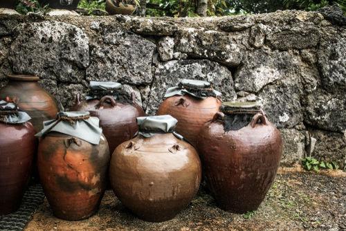 クースの味わいを格上げする沖縄伝統の手法