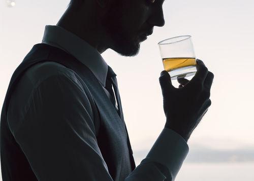 サントリーウイスキー「響」は日本が世界に誇るブレンデッドウイスキー