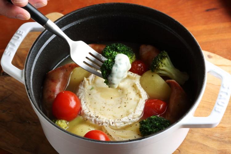チーズフォンデュ風ポトフ「カマンベール鍋」