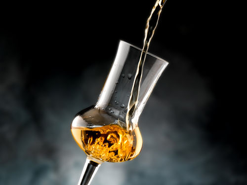 コニャックを引き立てるグラスの選び方