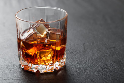 ウイスキーの水割りとは何が違うの?