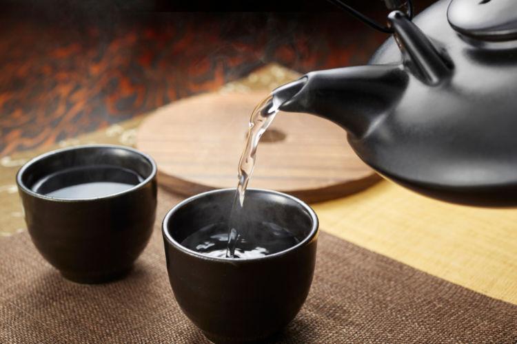 焼酎の熱燗をよりおいしくたのしめる伝統的な酒器とは?