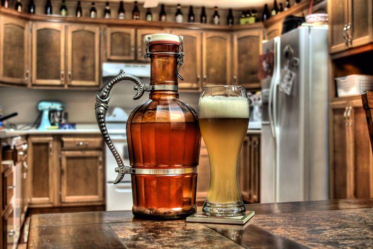 ビールをテイクアウトできる水筒「グラウラー」を知っていますか?