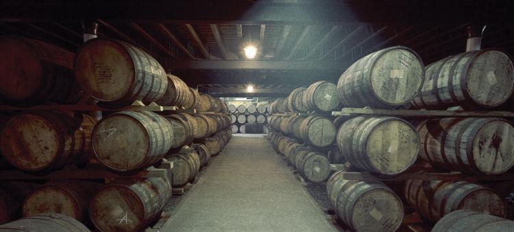 シーバスリーガルはスペイサイドを代表するブレンデッドウイスキー
