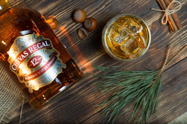 王者の風格漂う「シーバスリーガル」の代表的な銘柄と飲み方を知ろう!