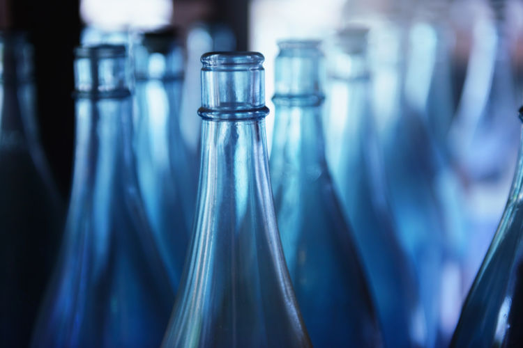 焼酎は紙パックと瓶入りでどう違う? それぞれの魅力を徹底比較!