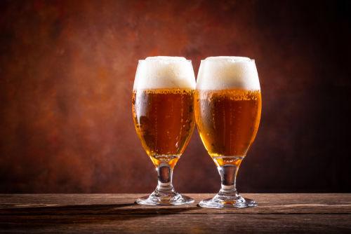 ビールをおいしく飲むためのビールグラスの豆知識