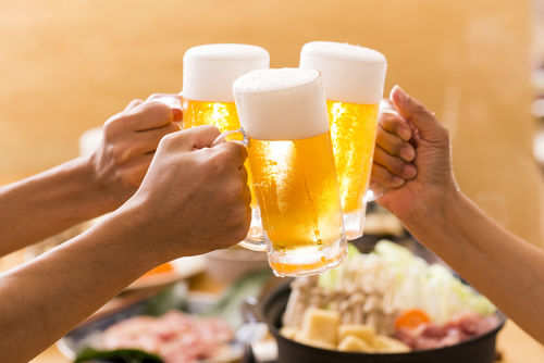 ビールを注ぐ際のマナーを知っておこう