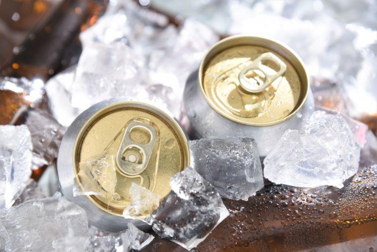 ビールのロング缶の魅力に迫る! もっとおいしい飲み方も紹介