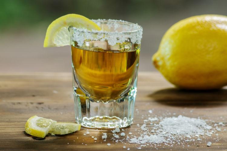 テキーラにレモン? 定番の塩+ライムだけではない、テキーラの飲み方を紹介