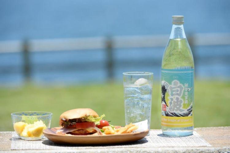 数量限定!南国へ誘う薩摩酒造の本格芋焼酎「MUGEN白波 The Tropical Wave」新発売