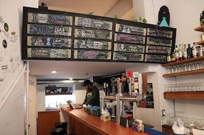 TITANS Craft Beer Taproom & Bottle Shopの店内