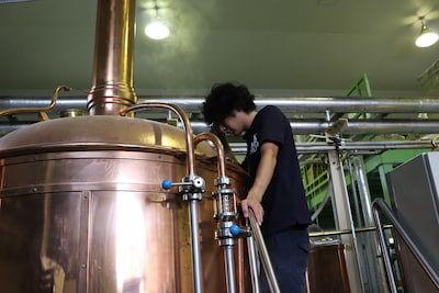 ビールを仕込んでいるタンク