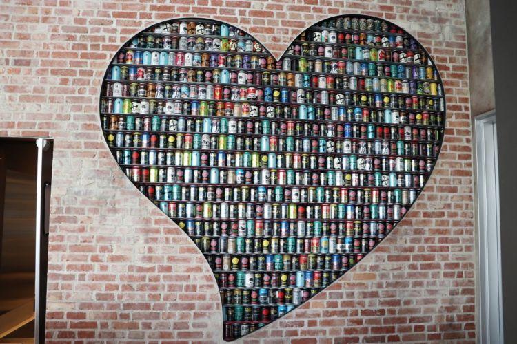ビール缶600本は圧巻です