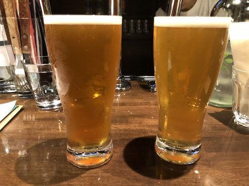二人で初めて造ったIPA「Departure」(左)とNZ産の新品種のホップを使用したNZ IPA「Funkin'for Aotearoa」(右)