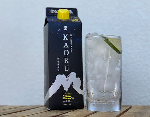 「白岳KAORU」ソーダ割りにライム果汁をプラス