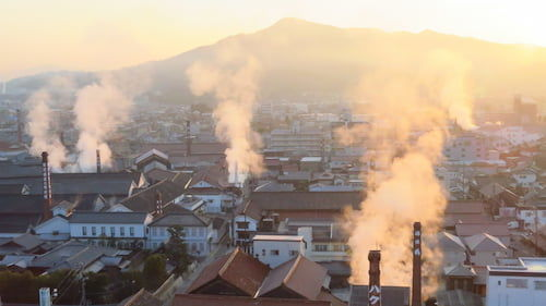 東広島市の酒蔵の煙突