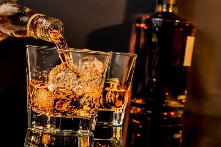 【バーボンの飲み方・入門編】初心者におすすめの銘柄と飲み方