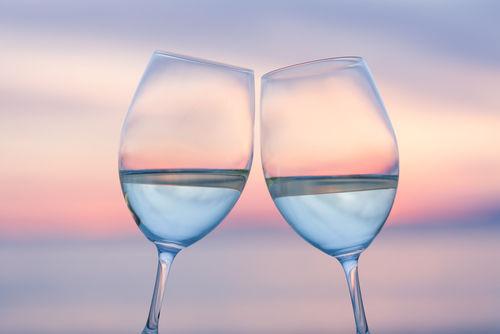 日本酒を視覚と嗅覚で楽しむならワイングラスで飲んでみましょう