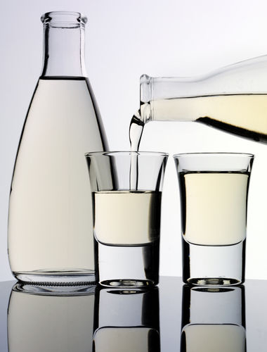 受賞銘柄は入手困難なことも多いですが、手に入れたら、ぜひ、ワイングラスで香りと味わいを感じたいですね。