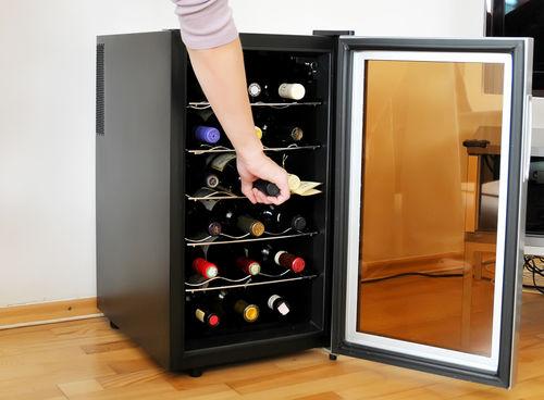 ワインセラーとクーラーと何が違う?